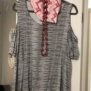 🔥 5/25$ New! Elle cold shoulder tunic top